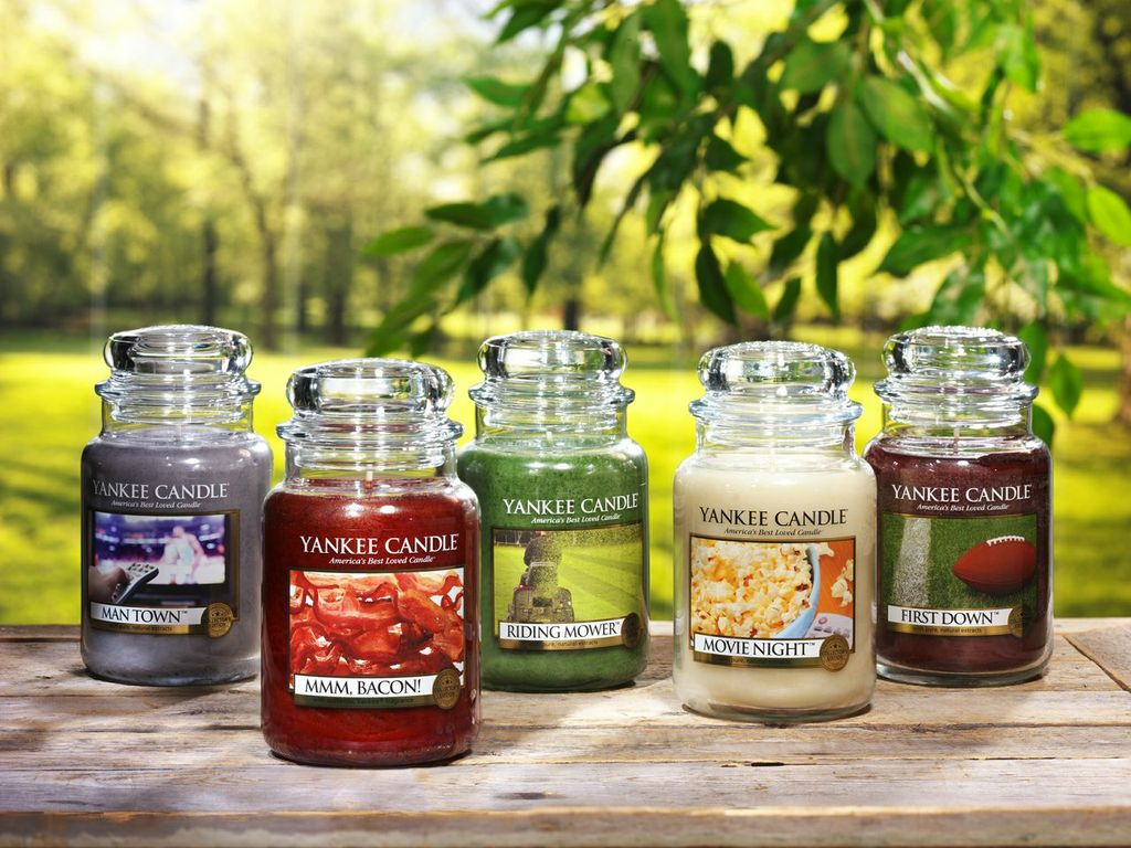 Yankee candle review dandy giveaway for Most popular candles