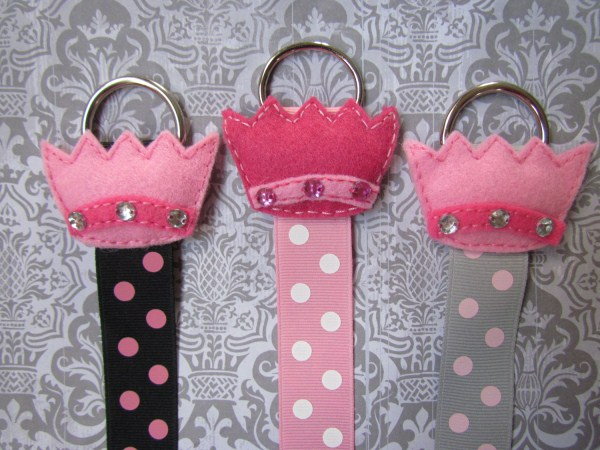 crownholders600x450